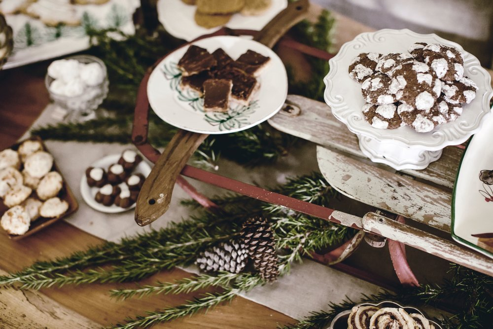 How to : Use Vintage Items in Your Holiday Decor
