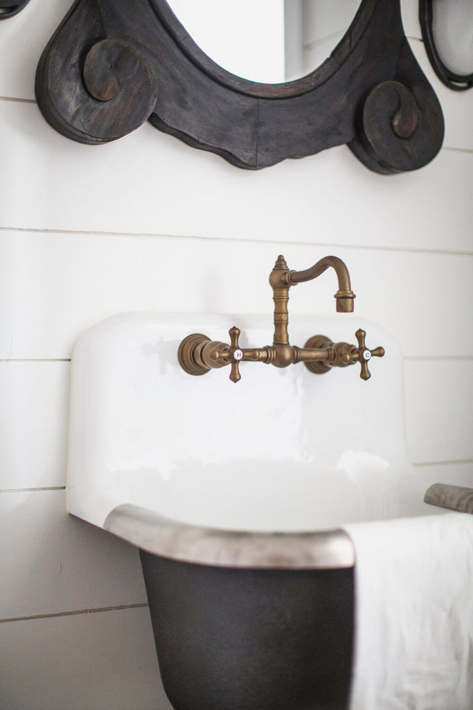 Antique and Vintage Inspired Sinks and Faucets.