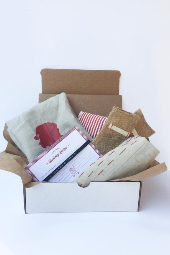 The Heirloomed Holiday Box