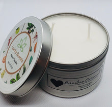 Load image into Gallery viewer, bamboo coconut double wick candle with lid off