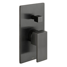 vado-notion-2-outlet-vertical-manual-shower-valve-