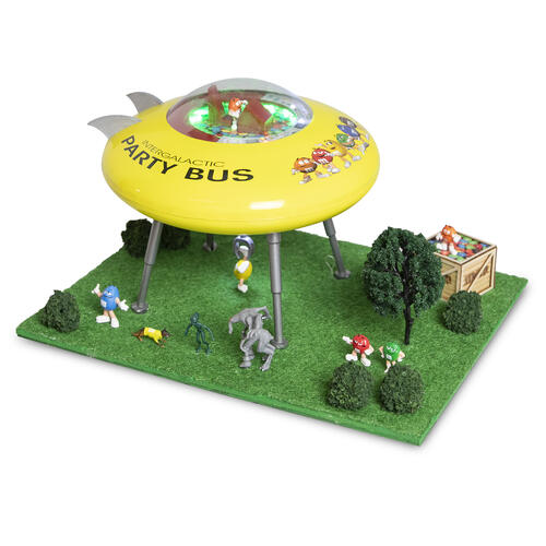 Menards 279-6130 M&M's UFO Scene Encounter O Gauge