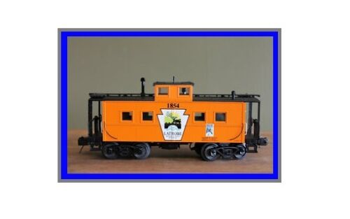 MTH 30-77187  Latrobe (Chamber of Commerce) Steel Caboose