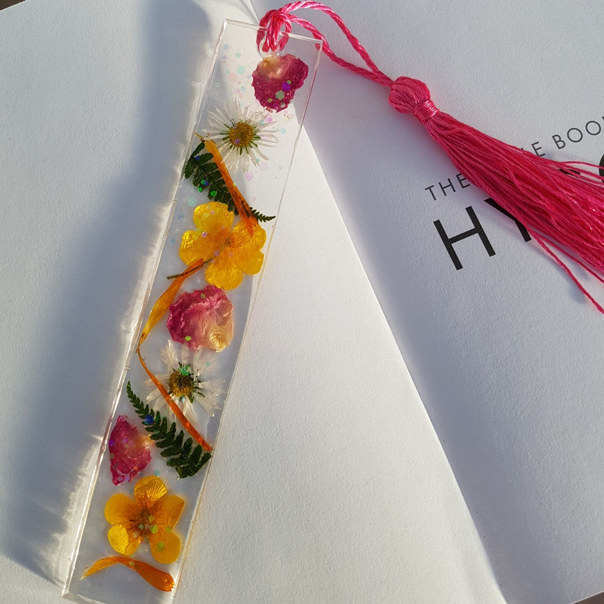 real-flower-bookmark