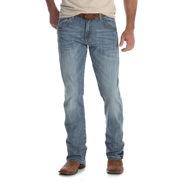 Wrangler Men's Retro Slim Fit Boot Cut Jean, Greeley, 33W x 34L - The Updated Ones