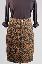 Load image into Gallery viewer, Casual Animal Print Skirt