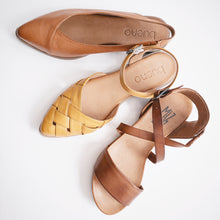 Load image into Gallery viewer, Bueno Baez Slingback Flat- Tan