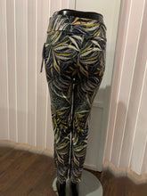 Load image into Gallery viewer, Up! Hawaii Petal Slit Pant