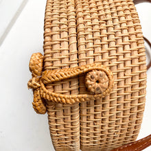 Load image into Gallery viewer, Rattan Purse