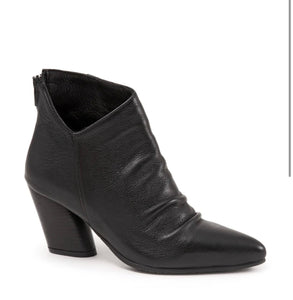 Bueno Fray Bootie