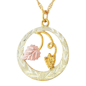 Black Hills Gold Stylish Round Pendant & Necklace - Jewelry