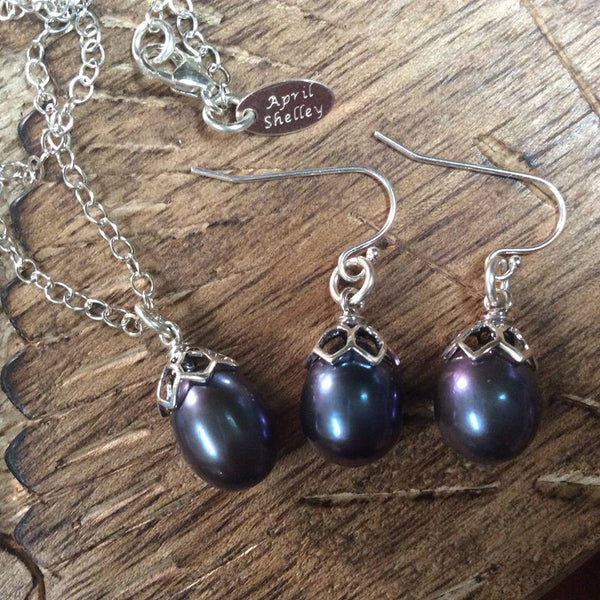 Freshwater Cultured Raven's Wing Black Pearl Earrings