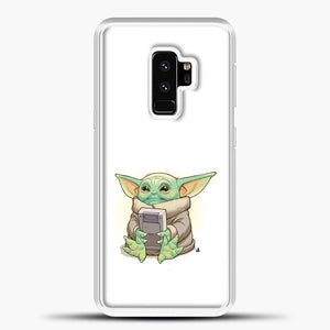 Baby Yoda Hold The Handphone Samsung Galaxy S9 Plus Case, White Plastic Case | casedilegna.com
