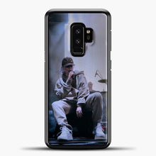 Load image into Gallery viewer, Billie Eilish Perfomance Samsung Galaxy S9 Case, Black Plastic Case | casedilegna.com