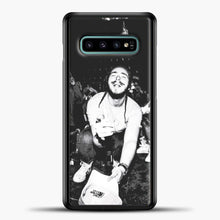 Load image into Gallery viewer, Post Malone Crowded Perfomance Samsung Galaxy S10e Case, Black Plastic Case | casedilegna.com