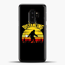 Load image into Gallery viewer, Sosial Distancing Bigfoot Samsung Galaxy S9 Case, Black Plastic Case | casedilegna.com