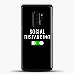 Sosial Distancing On Green Samsung Galaxy S9 Plus Case, Black Plastic Case | casedilegna.com