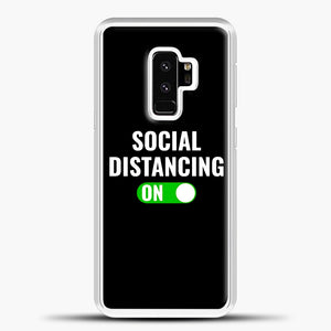 Sosial Distancing On Green Samsung Galaxy S9 Plus Case, White Plastic Case | casedilegna.com
