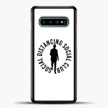 Load image into Gallery viewer, Sosial Distancing Social Club Samsung Galaxy S10e Case, Black Plastic Case | casedilegna.com