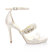 fefe-with-large-pearl-strap-side-LR