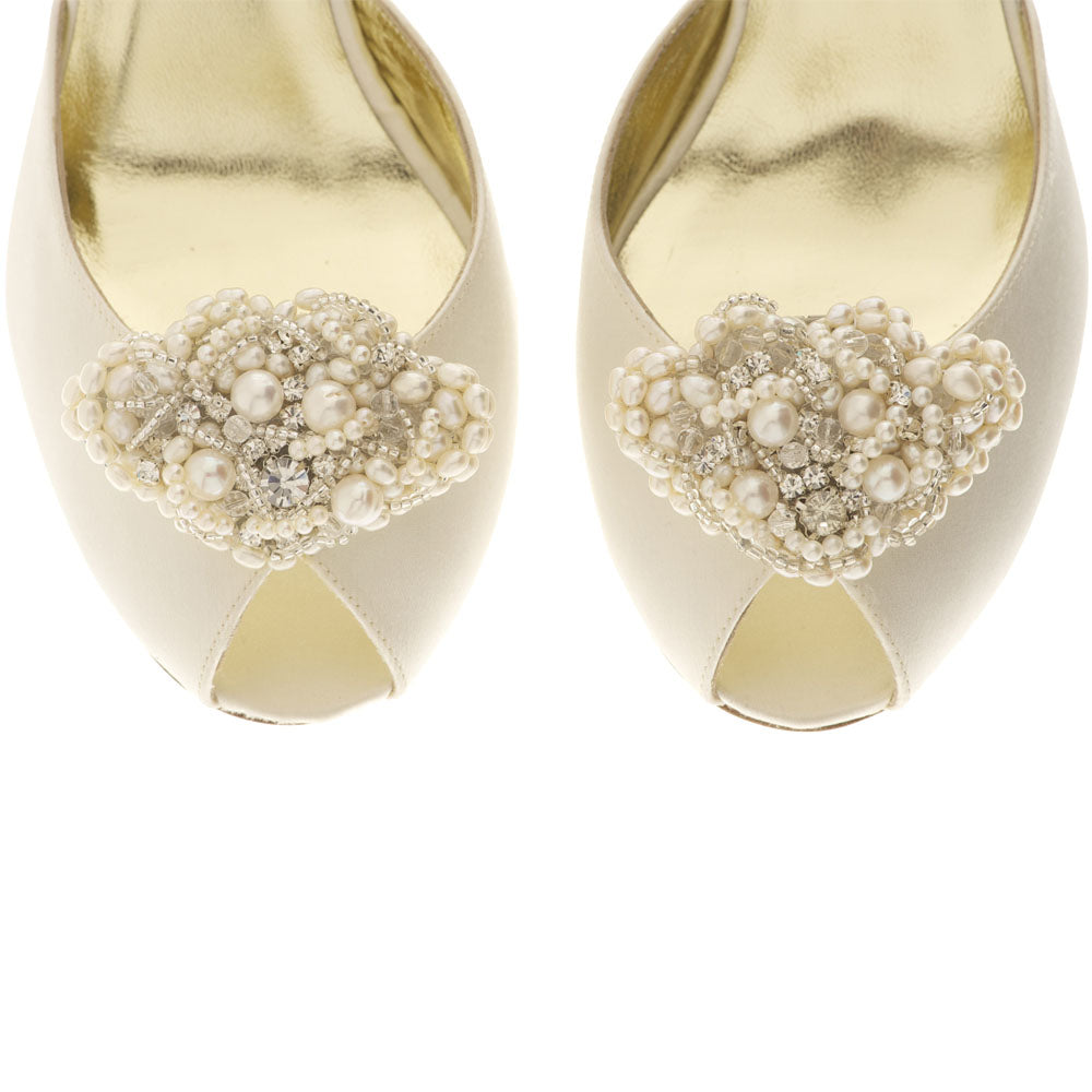 Image of Freya Rose shoe clips style Beatrice Fan for vintage bridal shoes with fresh water pearls and Swarovski crystals