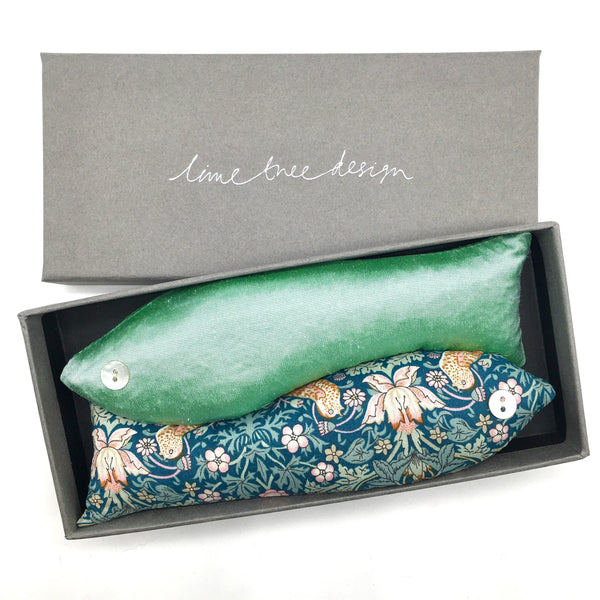 Box of 2 Lavender Fish - Strawberry Thief Green