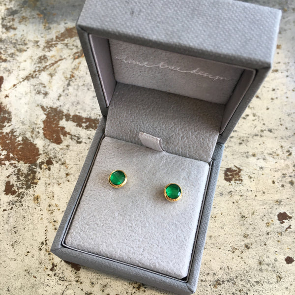 Birthstone Stud Earrings May: Emerald and Gold Vermeil