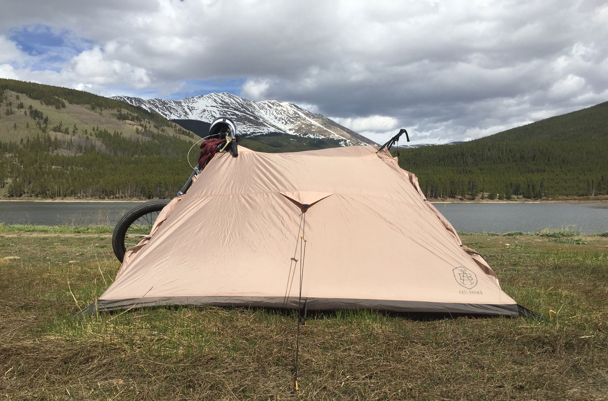 Best motorcycle tent. Nomad 2 motorcycle tent connects directly to your motorcycle with no poles.