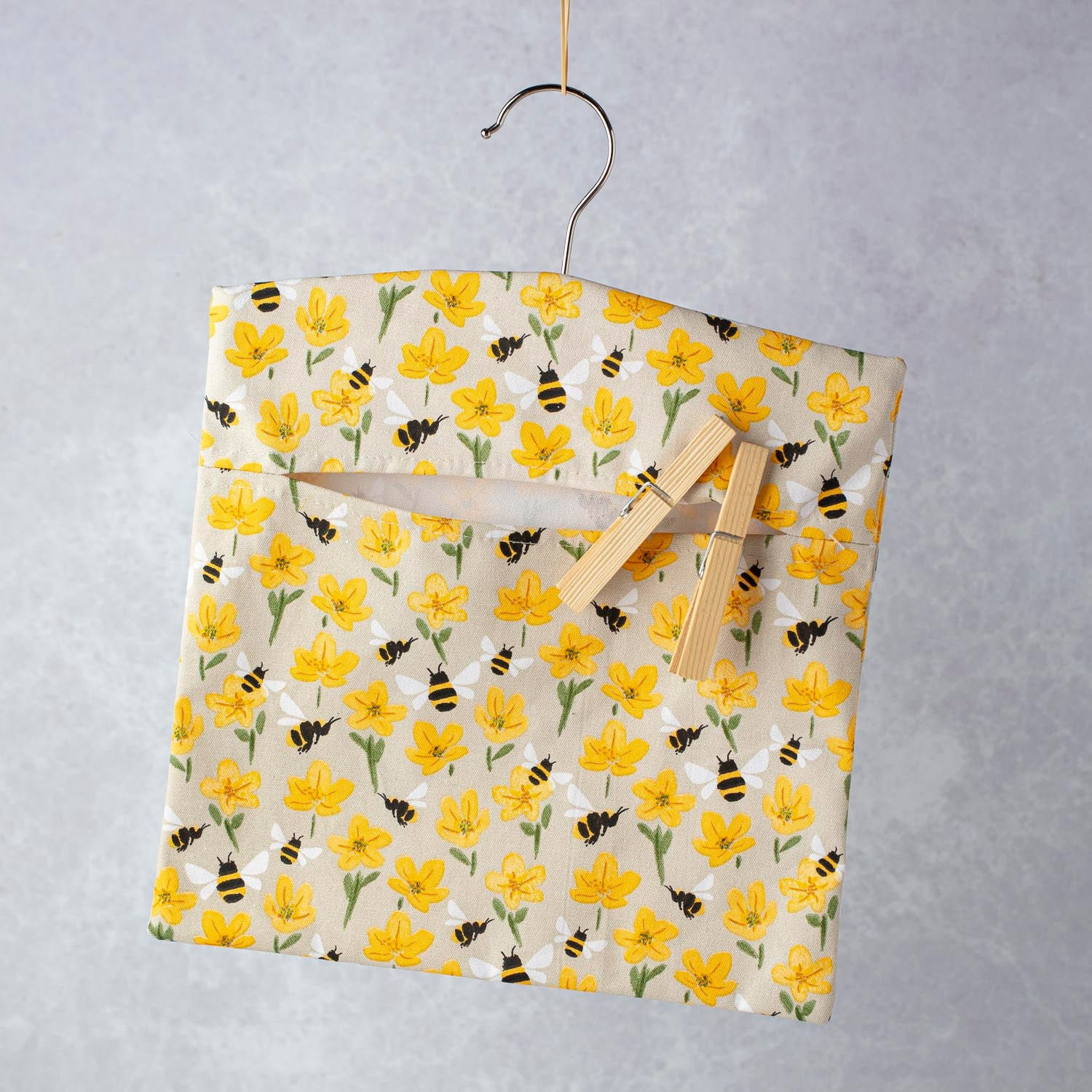 Fabric Peg Bag w Buttercup/Bee