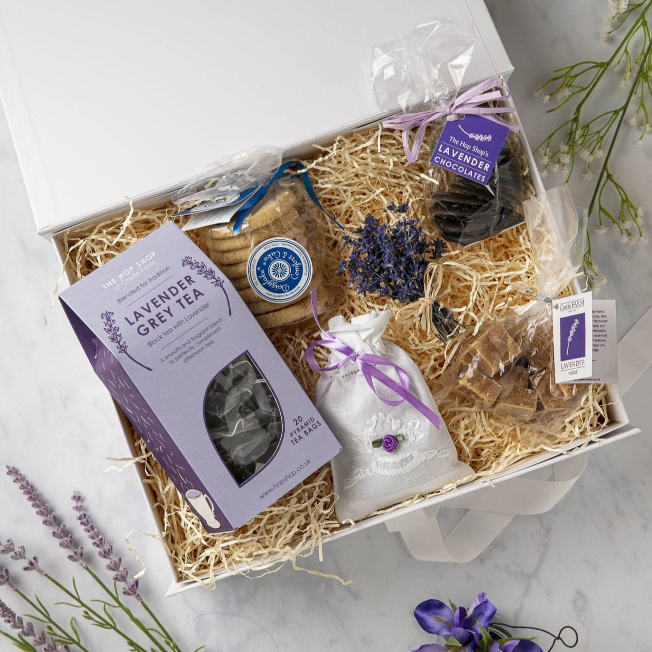 CASTLE FARM LAVENDER FOOD HAMPER