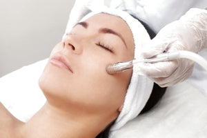 1 Day Facial Therapy & Microdermabrasion Course - Free Kit Included