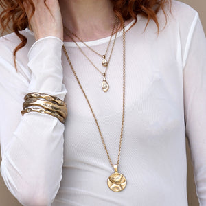 GOLD GEOMETRIC IMPRESSION PENDANT NECKLACE