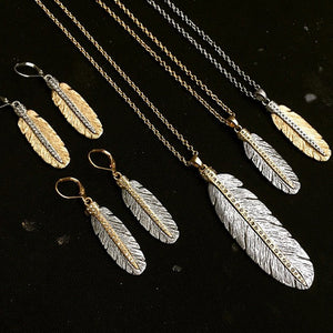 GOLD CASBAH MINI FEATHER NECKLACE