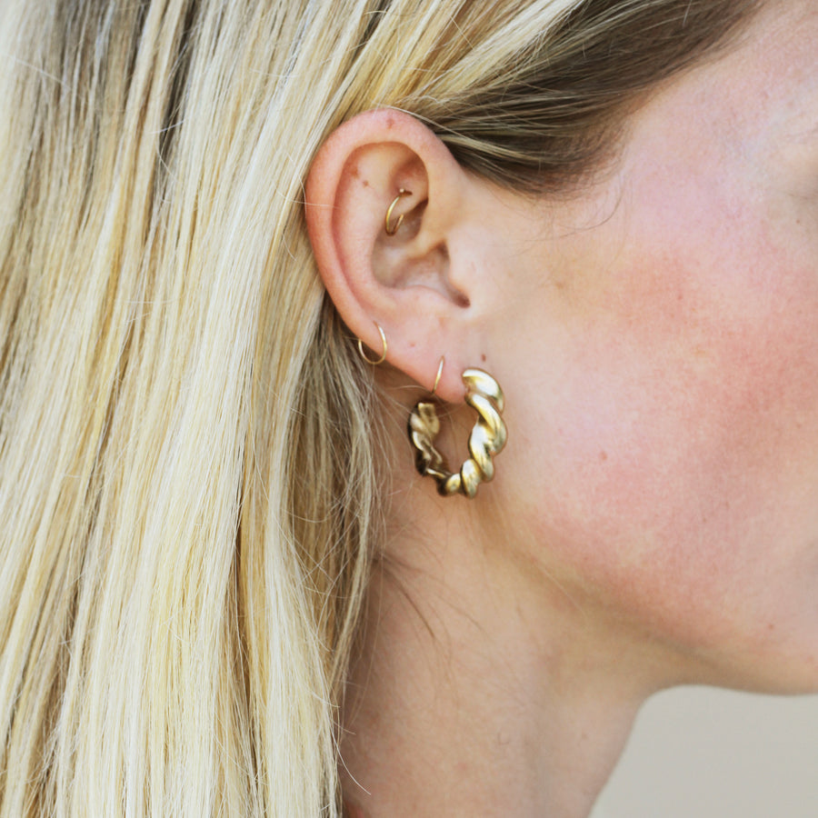 GOLD THICK TWISTED HOOPS