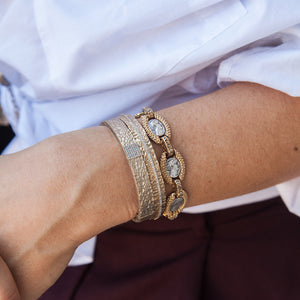 VINTAGE GOLD EGY CRYSTAL LINE BANGLE