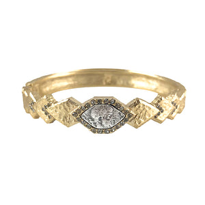 GOLD PIRAMIS DIAMOND SHAPES BANGLE