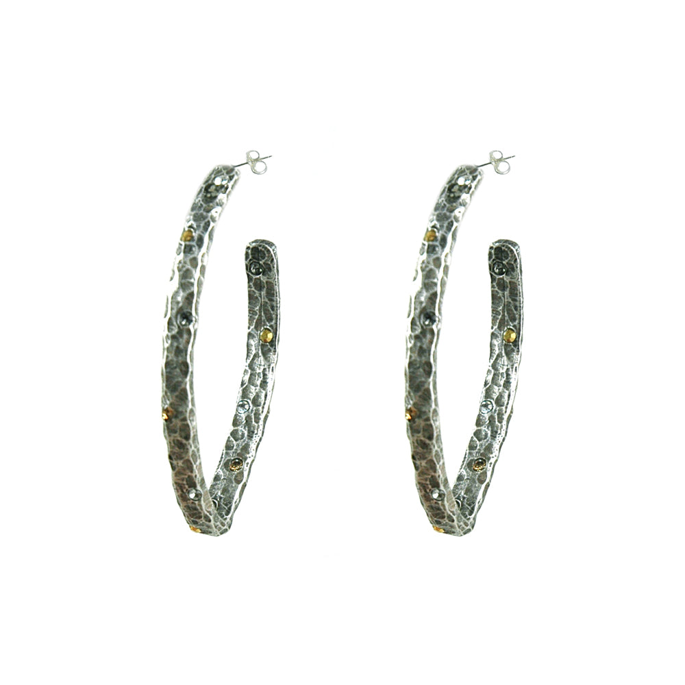 VINTAGE SILVER SIENA HAMMERED V-SHAPE HOOP EARRINGS