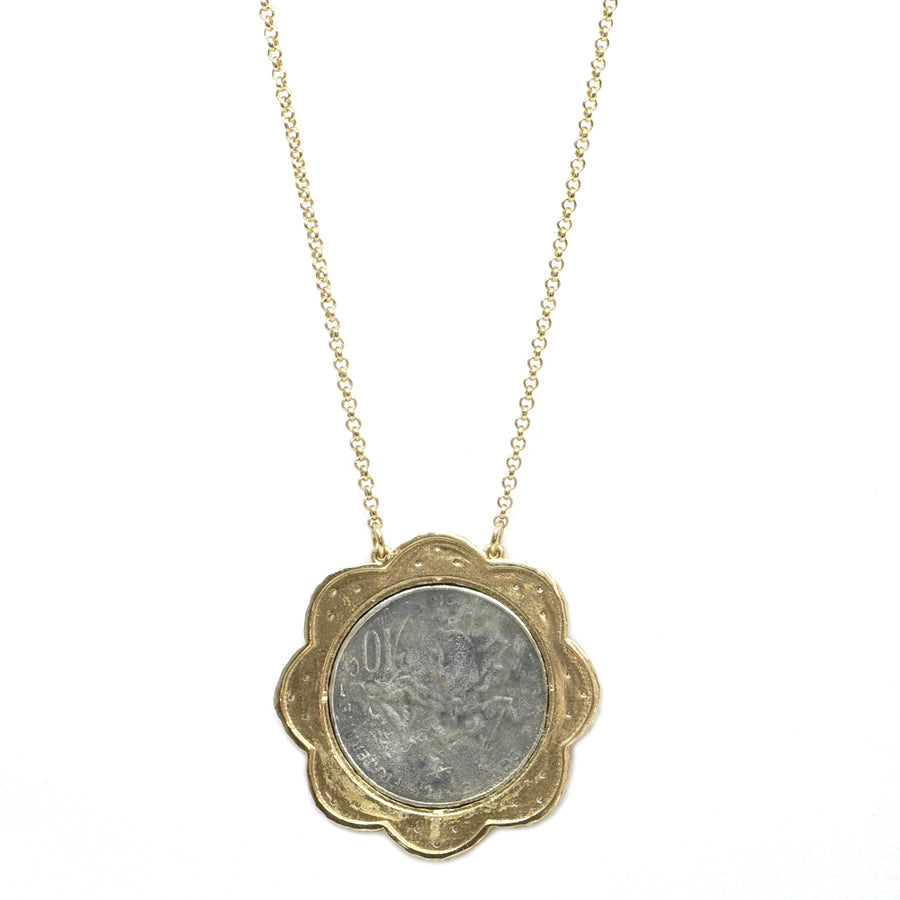 GOLD FRAME VS REPUBLIQUE SCALLOPED NECKLACE
