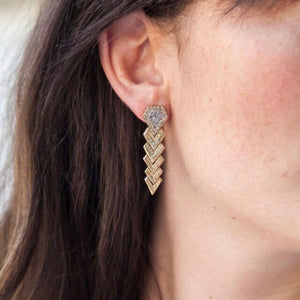 GOLD PIRAMIS DIAMOND SHAPED EARRINGS