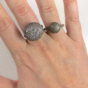 BLACK RHODIUM ROHA SMALL DIAMOND BALL RING