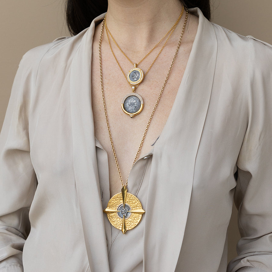GOLD COMPASS VS CORNELIA NECKLACE
