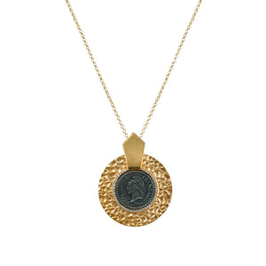 GOLD HAMMERED CIRCULAR SHIELD VS DUPRÉ NECKLACE