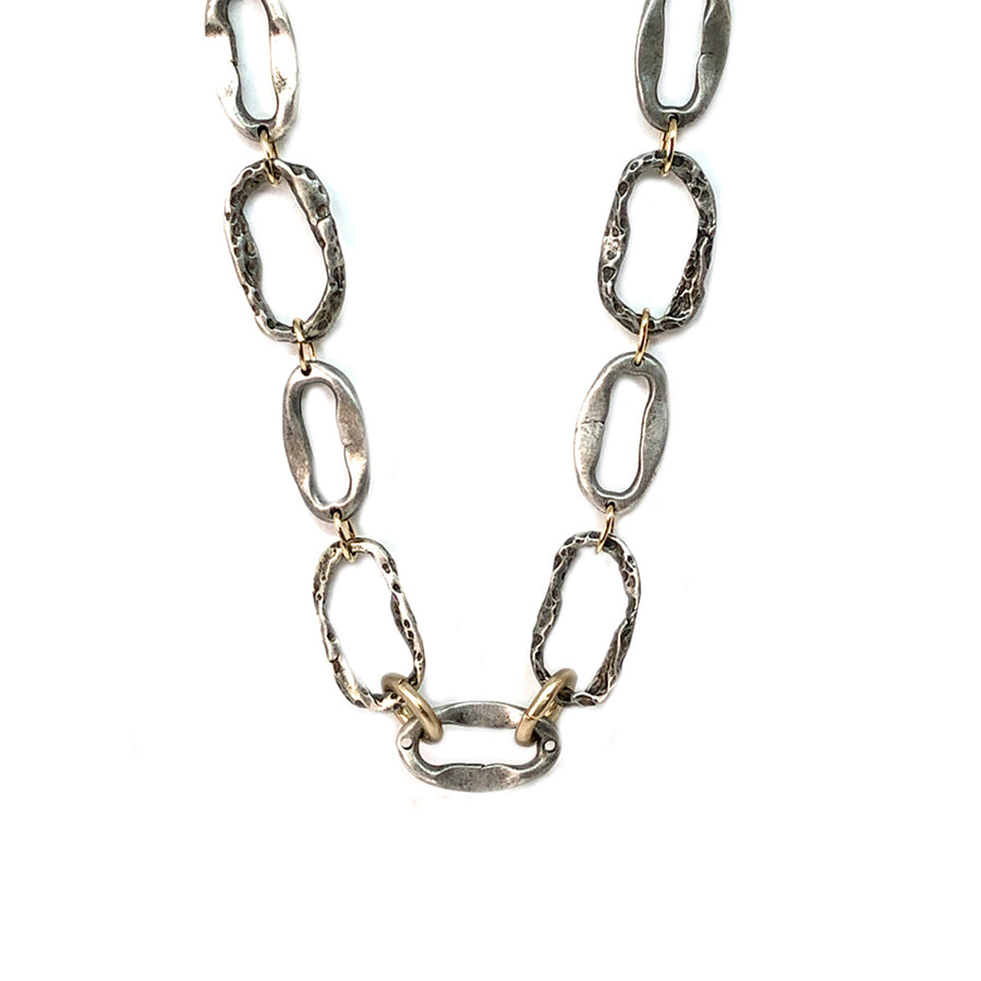 VINTAGE SILVER SHORT HAMMERED LINK NECKLACE