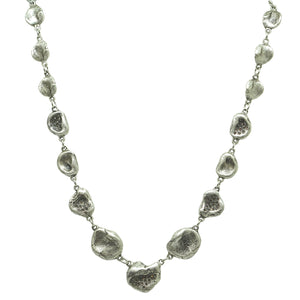 VINTAGE SILVER GRADED IMPRESSION NECKLACE