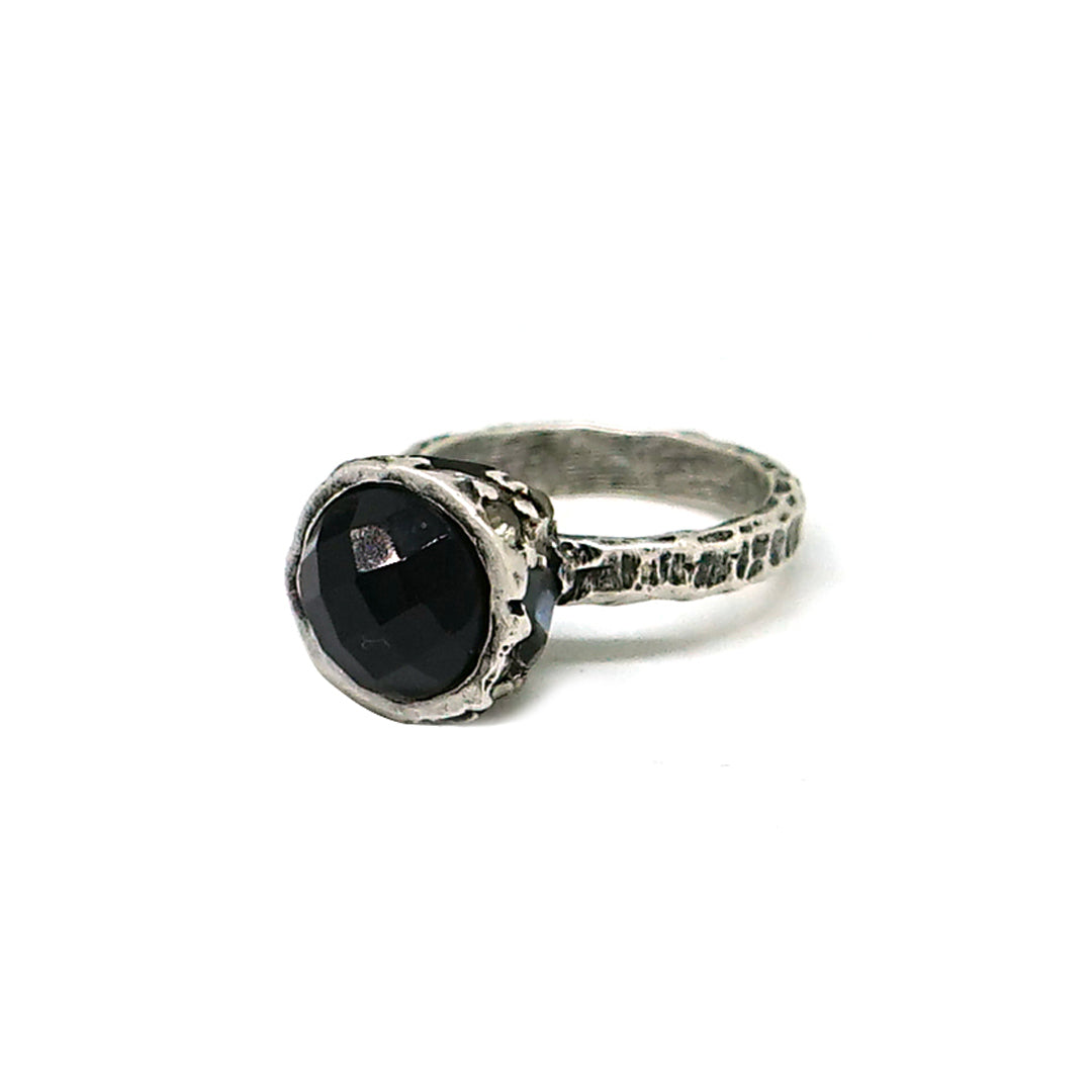 VINTAGE SILVER ONYX HIGH TOP RING