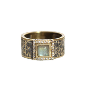VINTAGE GOLD HALLER LABRADORITE & CRYSTAL HAMMERED BAND RING