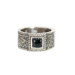VINTAGE SILVER HALLER ONYX & CRYSTAL HAMMERED BAND RING