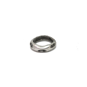VINTAGE SILVER THIN IMPRESSION BAND RING
