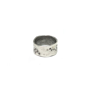 VINTAGE SILVER WIDE IMPRESSION BAND RING