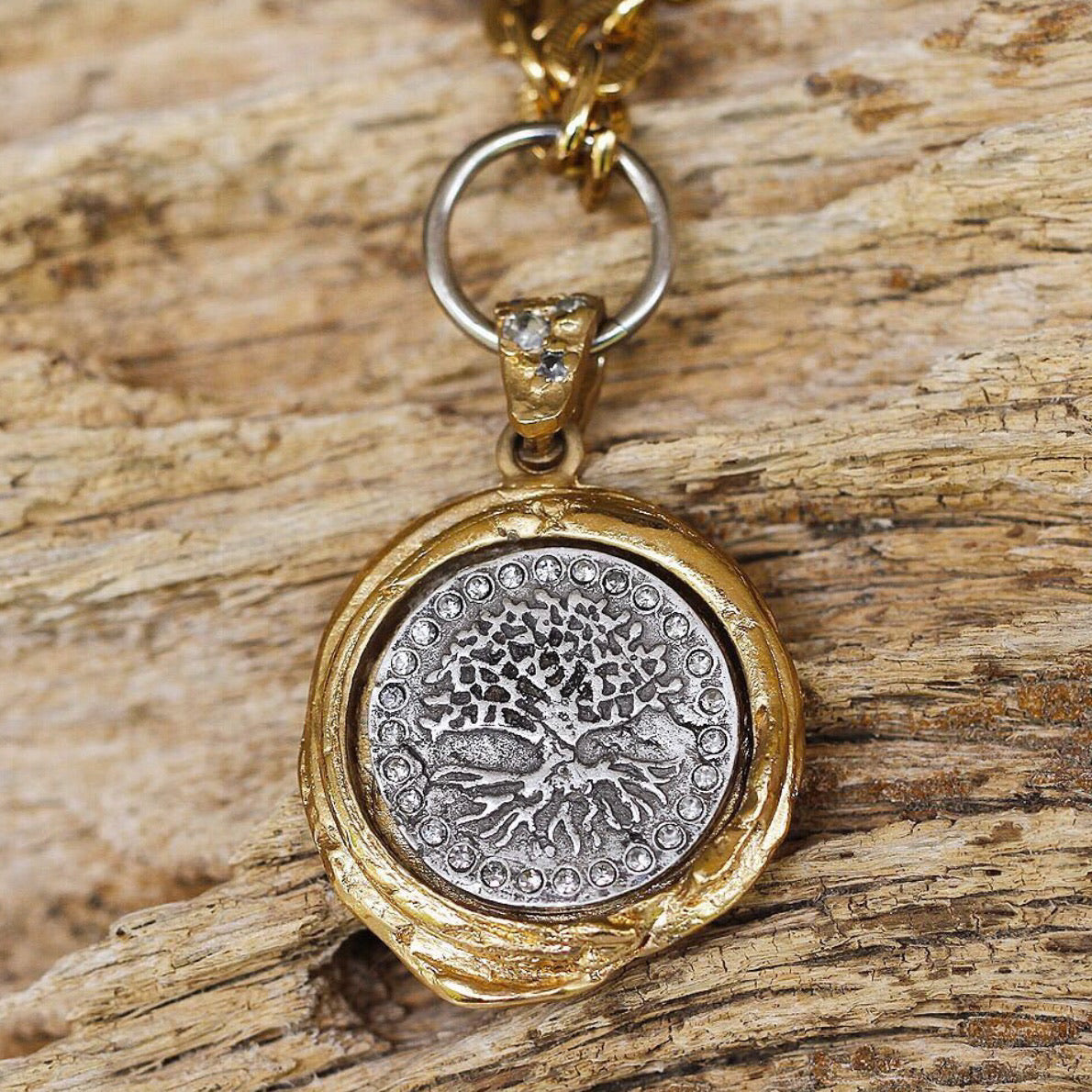 GOLD GUNA WAX SEAL NECKLACE